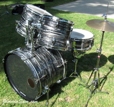Photo of Chris Lammers' Pearl drumset with 60's Black Oyster Pearl (41)