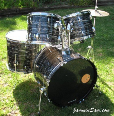 Photo of Chris Lammers' Pearl drumset with 60's Black Oyster Pearl (47)