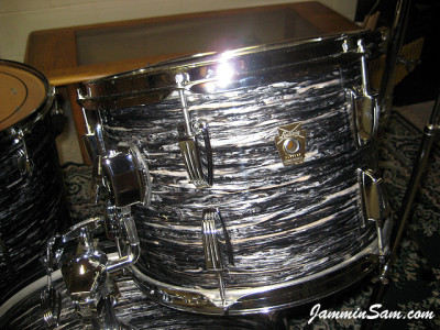 Photo of Rick Flessner's Ludwig tom drum with 60's Black Oyster Pearl drum wrap (37)