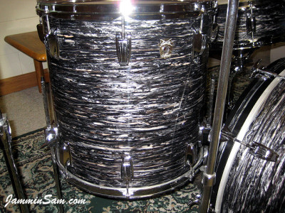 Photo of Rick Flessner's Ludwig floor tom drum with 60's Black Oyster Pearl drum wrap (38)
