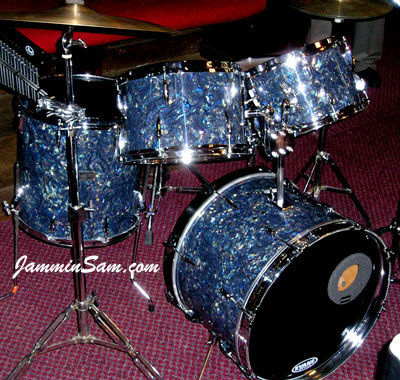 Photo of Rob Hilton's drums with Dark Abalone Pearl drum wrap (2)