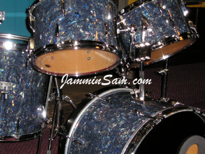 Photo of Rob Hilton's drums with Dark Abalone Pearl drum wrap