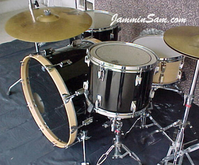 Photo of Mark Manausa's Tama Imperial drums with JS Solid Black drum wrap (4)