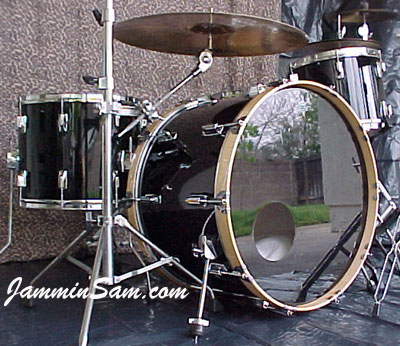 Photo of Mark Manausa's Tama Imperial drums with JS Solid Black drum wrap (6)
