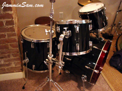 photo of Phil Copeland's Pearl drums with JS Hi Gloss Black drum wrap (1)