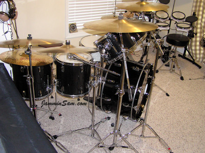 Photo of Web Tileston's set of drums with JS Solid Black drum wrap (2)