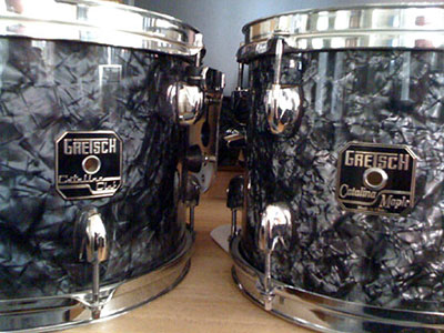 Photo of Drew Shourd's Gretsch Toms with Black Diamond Pearl (Old) drum wrap (1)