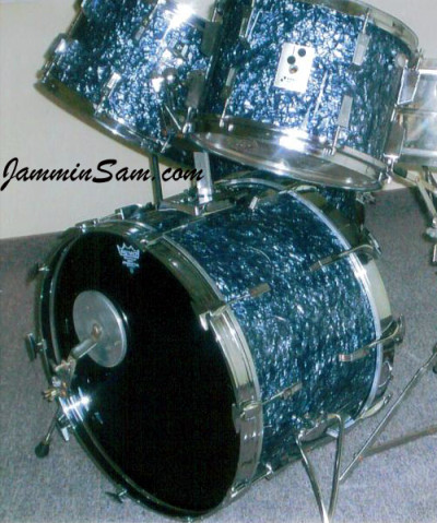 Photo of Maynard Ouger's Sonor drumset with Black Diamond Pearl (Old) (2)