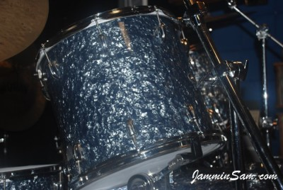 Photo of Mike Kells' Slingerland tom with Black Diamond Pearl (Old) drum wrap (47)