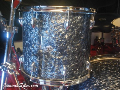 Photo of Mike Kells' Slingerland tom with Black Diamond Pearl (Old) drum wrap (65)