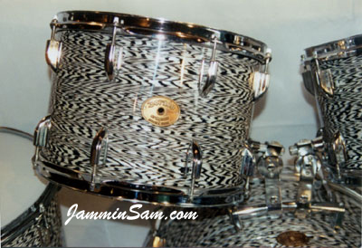 Photo of Marty Hall's Dorado drum set with Vintage Black Onyx Pearl drum wrap (2)