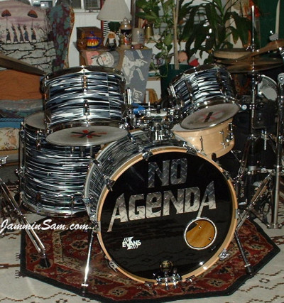 Photo of Fin Park's Trak drums with Retro Black Oyster Pearl drum wrap (2)