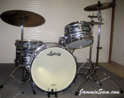 Photo of John Markovich's Ludwig drums with Retro Black Oyster Pearl drum wrap