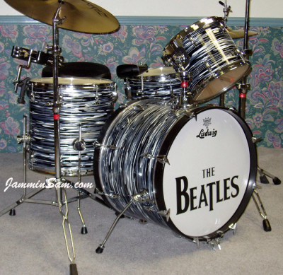 Photo of Kevin Higgs' Ludwig drumset with Retro Black Oyster Pearl drum wrap (2)