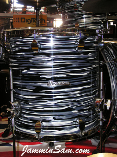 Photo of Paul Collinson's Premier drums with Retro Black Oyster Pearl drum wrap (1)