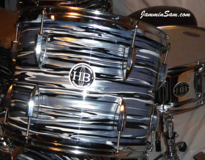 Photo of Wayne Meehan's drums with Retro Black Oyster Pearl drum wrap (5)
