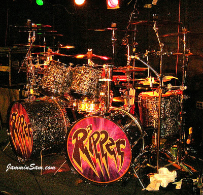 Updated picture (November 2011) of Richard Schittenhelm's Ludwig drums with 80's Black Diamond Pearl drum wrap (2)
