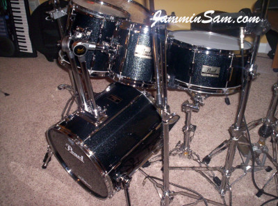 Photo of Randy Jones' drumset with Vintage Black Sparkle drum wrap (3)