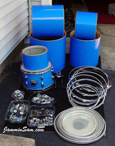 Photo of Kenneth Punt's Pearl drums with JS Hi Gloss Tropical Blue drum wrap (4)