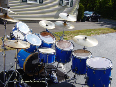 Photo of Kenneth Punt's Pearl drums with JS Hi Gloss Tropical Blue drum wrap (13)