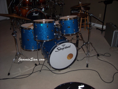 Photo of Randall Workman's Slingerland drumset with Blue Glass Glitter drum wrap (5)