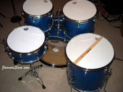 Photo of Randall Workman's Slingerland drums with Blue Glass Glitter drum wrap (6)