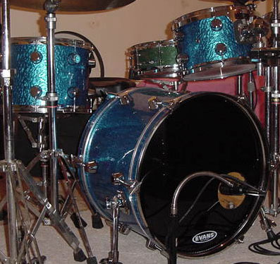 Photo of Mark Kantor's drum set with Blue Metal drum wrap (3)
