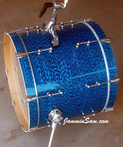 Photo of Rob Schuh's custom drums with Vintage Blue Onyx Pearl drum wrap (3)