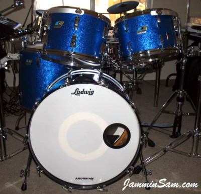 Photo of Dan Hertlein's Ludwig drums with Vintage Blue Sparkle (1)