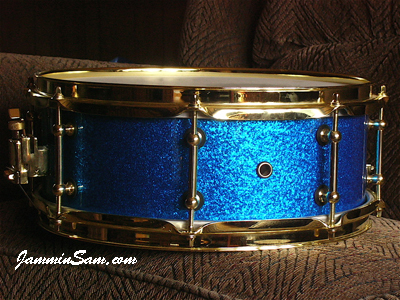 Photo of Lee Campen's snare drum with Vintage Blue Sparkle drum wrap