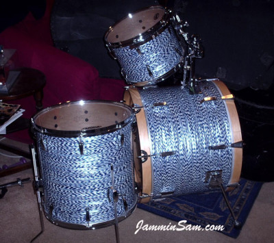 Photo of Dan Deming's drums with Blue White Onyx drum wrap (1)