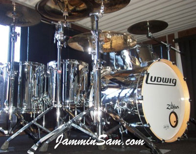Photo of Al Percival's Ludwig drums with Mirror Chrome drum wrap