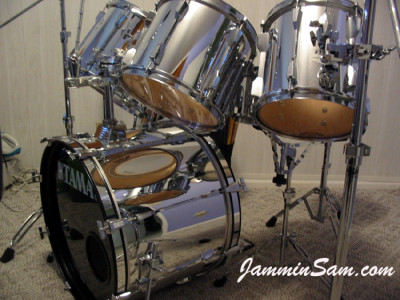 Photo of Bill Wyatt's Tama drums with JS Mirror Chrome drum wrap (1)