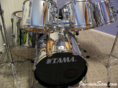Photo of Bill Wyatt's Tama drums with JS Mirror Chrome drum wrap (2)