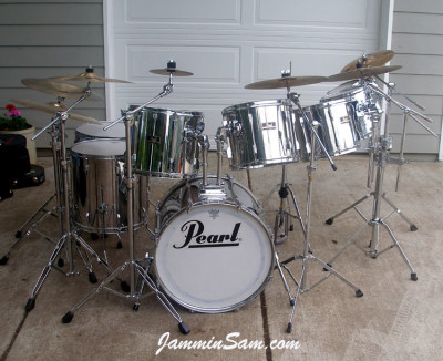 Photo of David Jorgenson's Pearl Export drums with JS Mirror Chrome drum wrap (1)