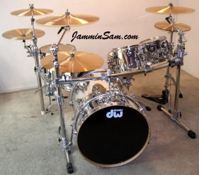 Photo of Mike Velazquez's DW drumset with JS Mirror Chrome drum wrap (3)