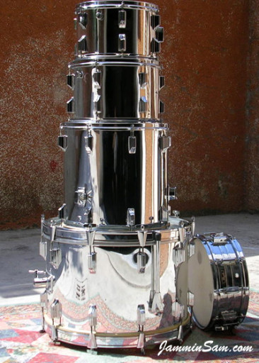 Photo of Pierpaolo Lamanna's drums with JS Mirror Chrome drum wrap (1)