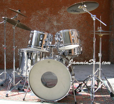 Photo of Pierpaolo Lamanna's drums with JS Mirror Chrome drum wrap (3)