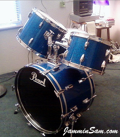 Photo of Mark Whitlow's Pearl drums with Deep Blue Glass Glitter drum wrap (19)