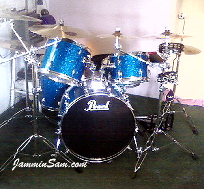 Photo of Mark Whitlow's Pearl drums with Deep Blue Glass Glitter drum wrap (35)