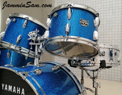 Photo of Miguel De Vincenzo's 1970's Yamaha drums with Deep Blue Glass Glitter drum covering (22)