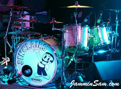 Photo of Jimmy Beschoner's Pearl set with Silver Glass Glitter drum wrap (44)