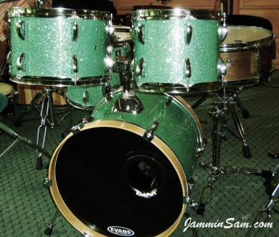 Photo of Ron Rothenberg's drumset with Turquoise Glass Glitter drum wrap (2)
