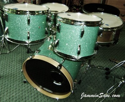 Photo of Ron Rothenberg's drumset with Turquoise Glass Glitter drum wrap (5)