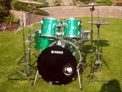 Photo of Paul Finlay's Yamaha drums with Green Vintage Sparkle drum wrap (20)