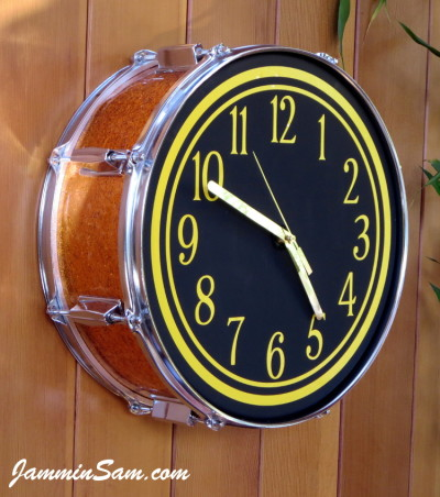 Photo of Lynn Easton's DrumClock with JS Sparkle Gold drum wrap (2)