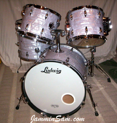 Photo of Shawn Whiting's drums with Vintage Marine Pearl drum wrap (1)