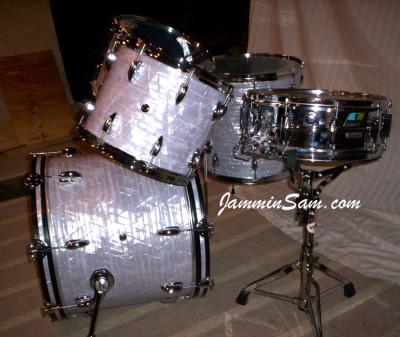Photo of Shawn Whiting's drums with Vintage Marine Pearl drum wrap (3)