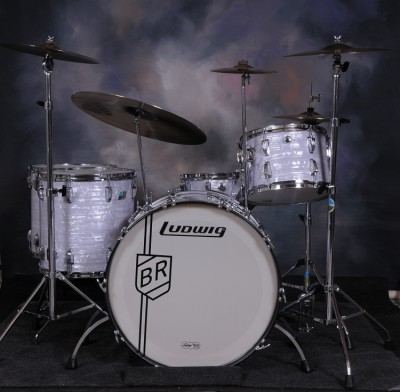 Photo of Tom Schlitter's drums with Vintage Marine Pearl drum wrap (64)