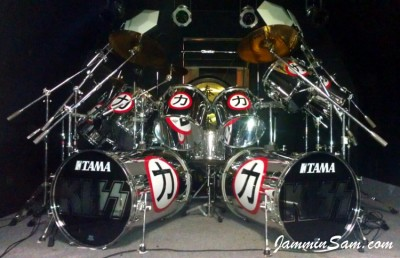 Photo of Randy Fernett's drums with JS Mirror Chrome drum wrap (1)